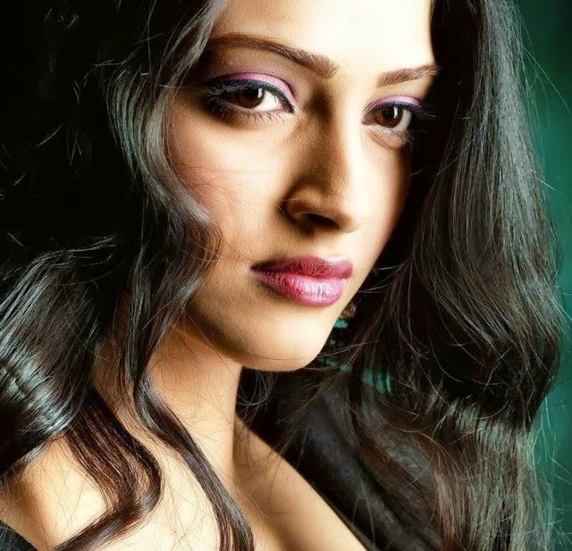 Showbiz Indian Wallpapers Sonam Kapoor Wallpapers Free Download