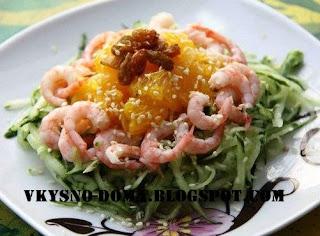 Салат с креветками,огурцом и апельсином