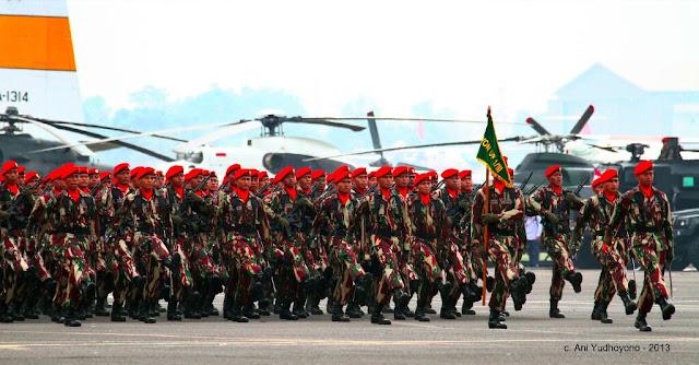 Defile Kopassus hasil jepreten Ibu Ani Yudhoyono