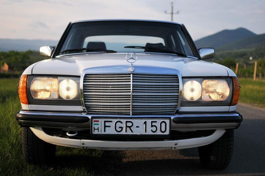 Daily Turismo K MercedesBenz E Spd Manual In Hungary - Cool cars 1983