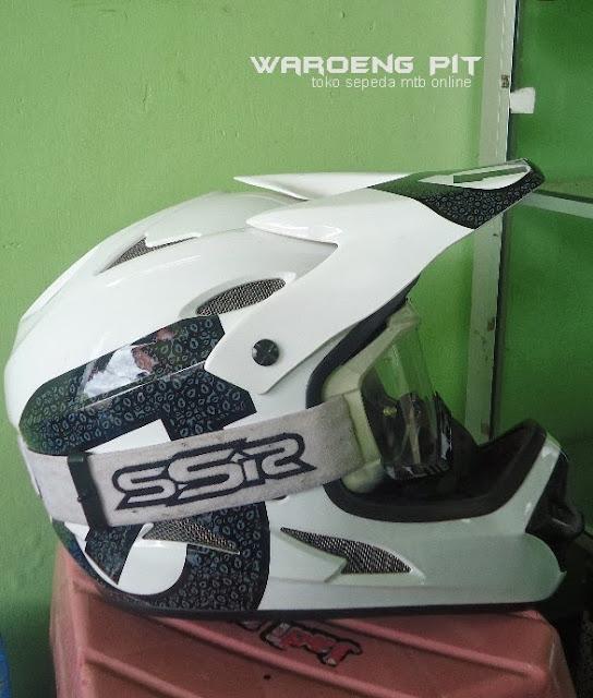 Jual Helmet Full face sixsixone beserta kacamata SSR sepeda balap mtb bmx gunung downhill murah