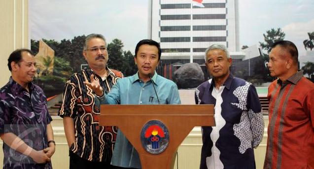 'Membelot' ke Kubu Kemenpora, PSSI Ultimatum Djohar Arifin