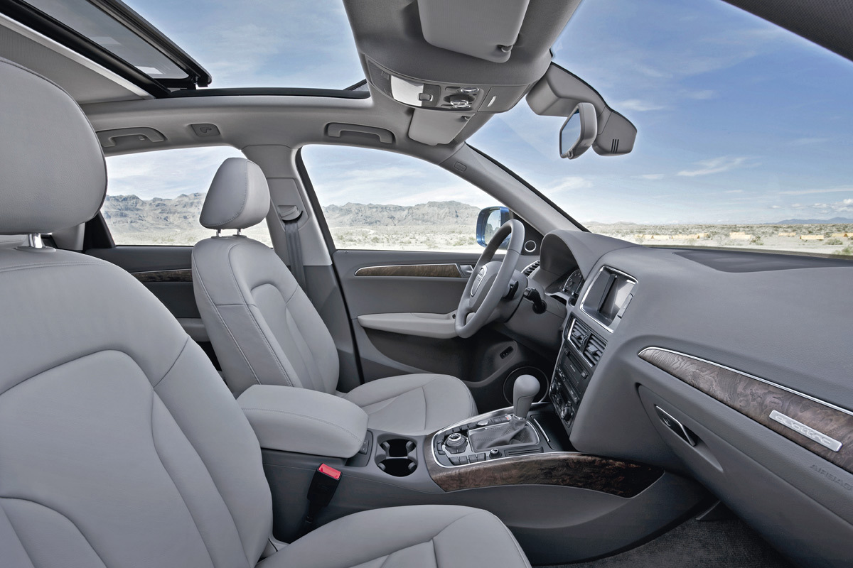 World of cars audi q5 images for Interieur q5