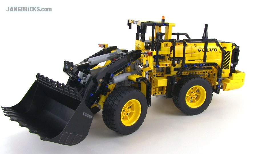 lego technic volvo l350f wheel loader 42030 video review. Black Bedroom Furniture Sets. Home Design Ideas