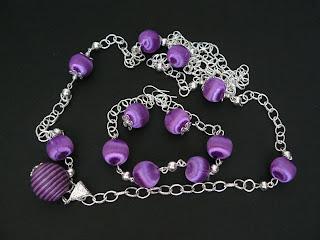 biżuteria z półfabrykatów - oplecione na fioletowo (naszyjnik i bransoletka)