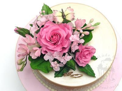 Rosen, Hortensien und Freesien aus Blütenpaste