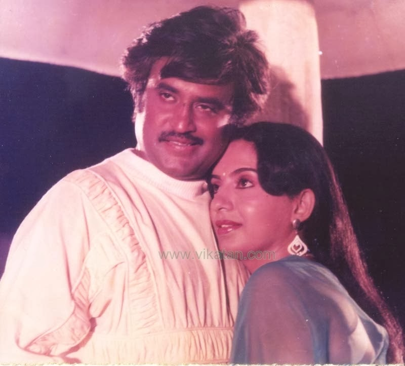 Rajinikanth & Ambika in 'Padikkathavan' (1985) Tamil Movie 2