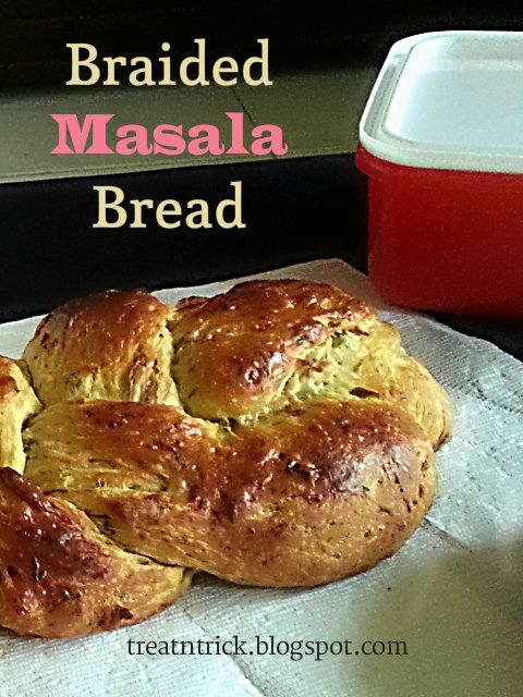 Braided Masala Bread Recipe @ treatntrick.blogspot.com