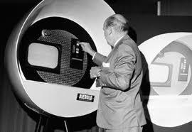 "<img src=""Luthor George Simjian.jpg"" alt=""Luthor George Simjian  penemu mesin ATM "">"