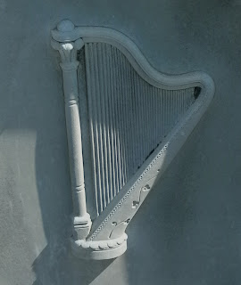 the irish harping tradition Learn more about therapeutic harp foundation by the end of the 17th century, the old irish harping tradition had died out entirely and by the 18th century.