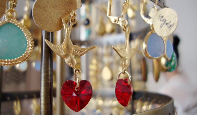 NinaBee, earrings, swallows with hearts