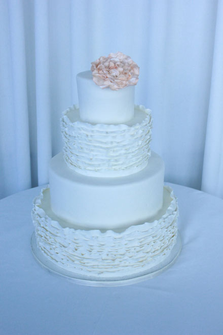 Here are some ideas for simple but elegant wedding cakes