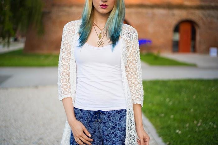 Skinny Buddha C&A shorts crochet blouse
