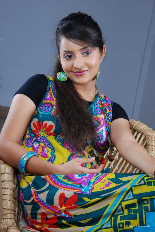 Malayalam Actress Bhama Latest Cute Stills Images Gallery glamour images