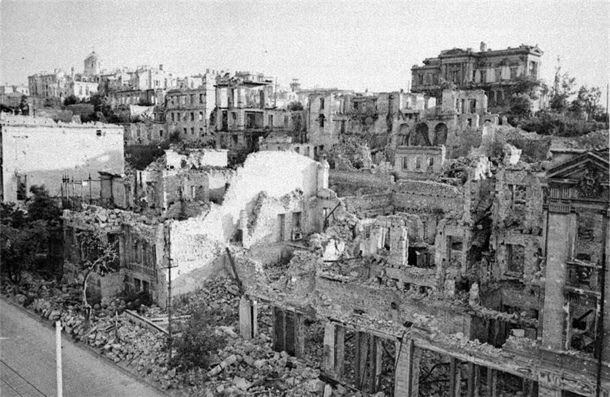 Севастополь в руинах
