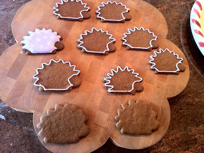 Hedgehog cookies outlined
