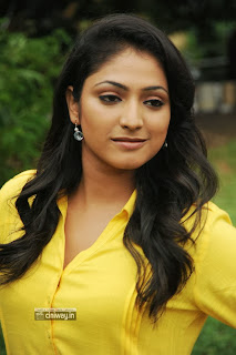 Haripriya-Stills-at-EE-Varsham-Sakshiga-Press-Meet