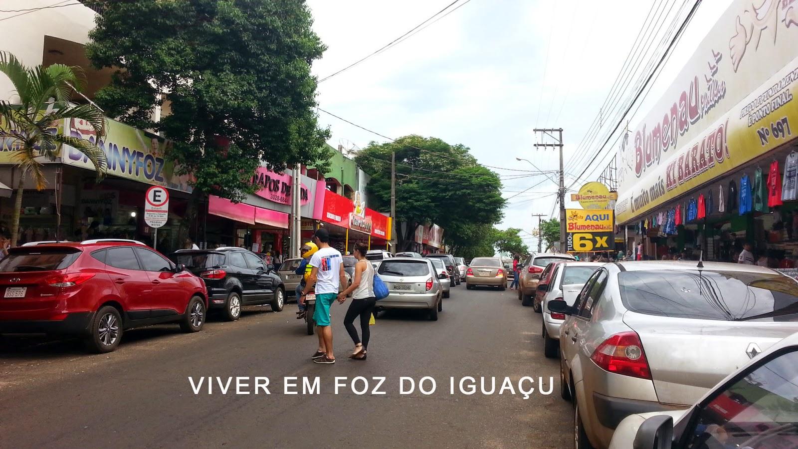 Vila Portes, o último bairro do Brasil, não folga nem em dia Tiradentes