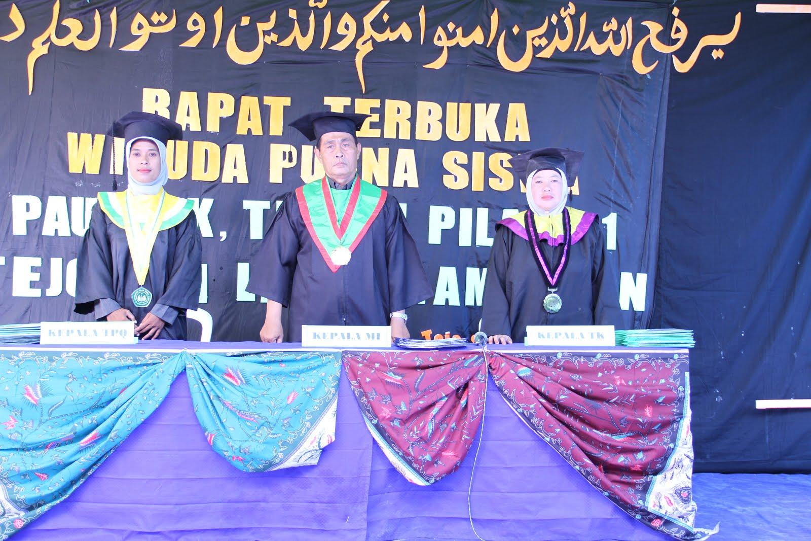 Dewan Pembina Yayasan Thoriqotul Hidayah 1
