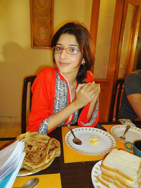 Good Morning - Pakistan Celebrities Simply Stunning Mawra Hocane