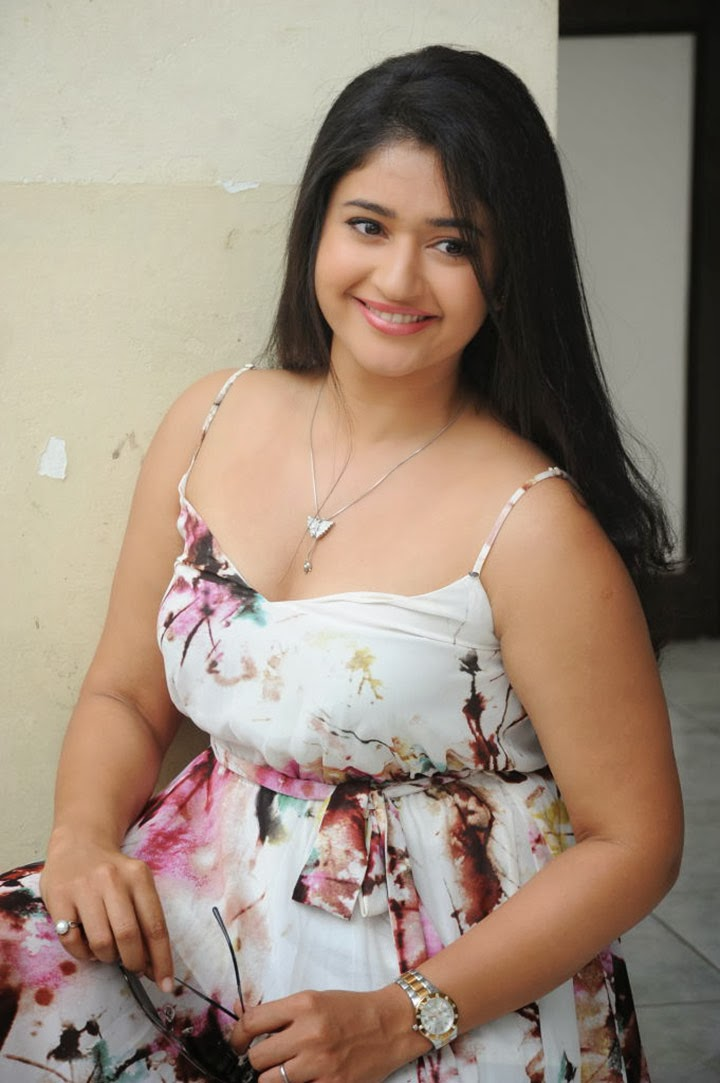 Poonam Bajwa latest Glamorous Photos-HQ-Photo-15