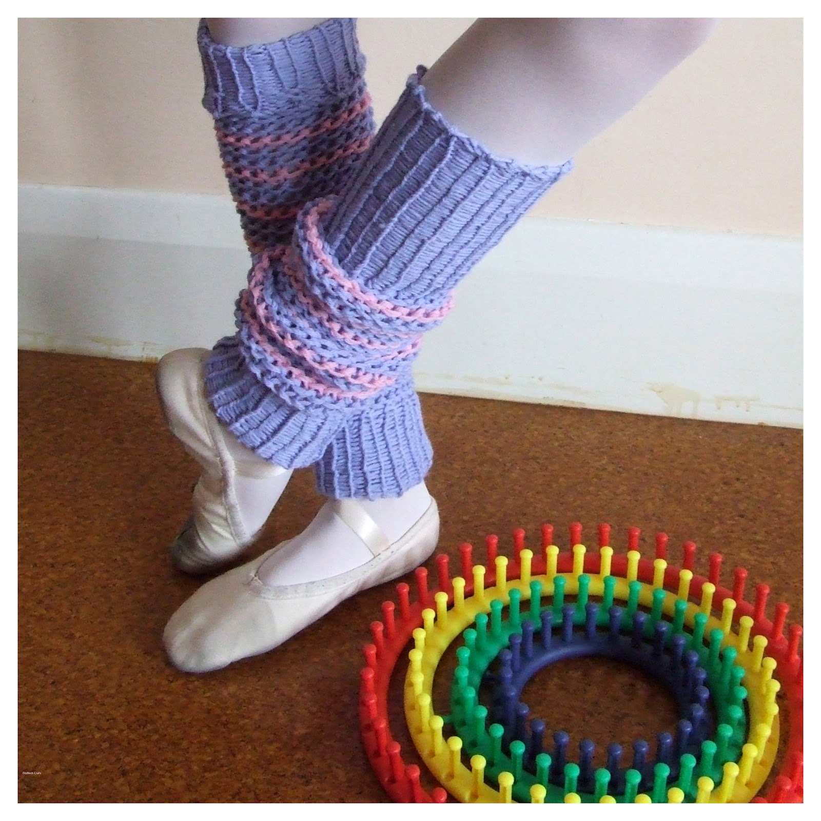 FitzBirch Crafts: Knifty Loom Knit Leg Warmers