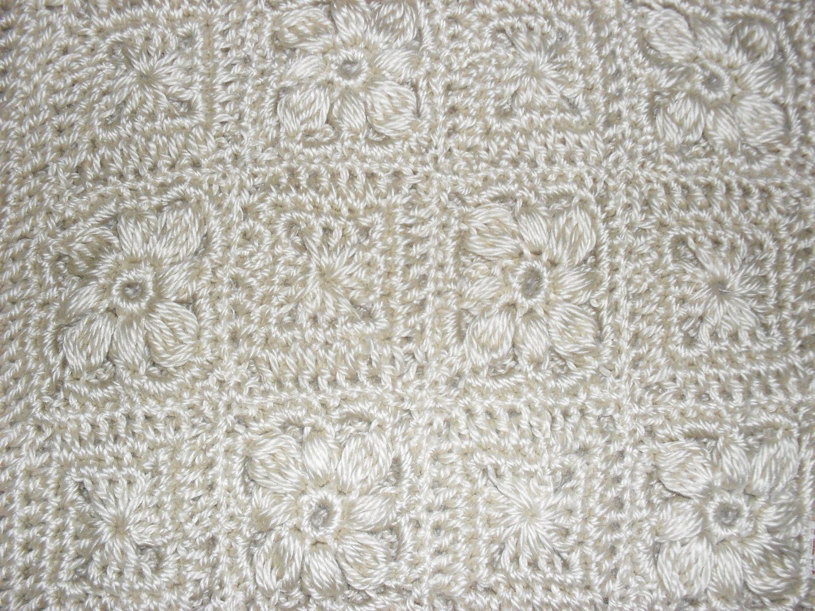 Tricot o crochet sweater con cuadraditos y flores champagne - Cuadraditos de crochet ...
