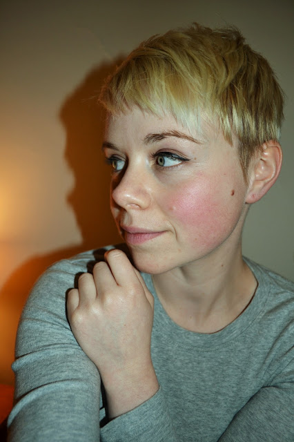 skincare, make up, seattle, blonde, short hair, fleur d'elise