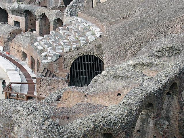 L'intérieur du Colisée de Rome (6)