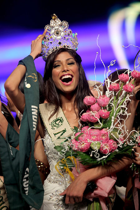 Nicole Faria,Miss Earth 2010
