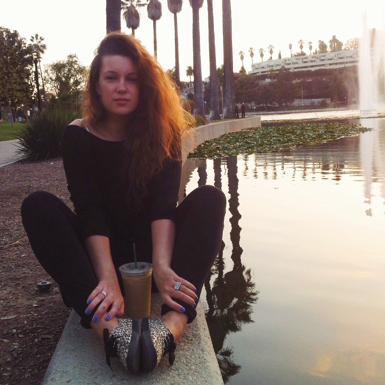 los angeles style blog, all black outfit, leopard print sneakers, echo park lake, simple living lifestyle blog, instagram blogging tips