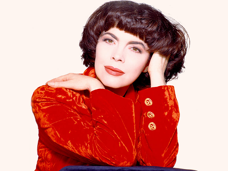 Mireille Mathieu: a bright woman and a prisoner of fate 84