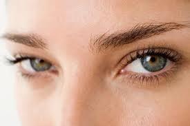 Empat Tips Menyamarkan Mata Lelah