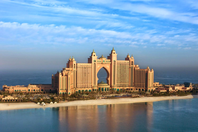 В Дубае Восток тесно переплетается с Западом, а древность с современностью