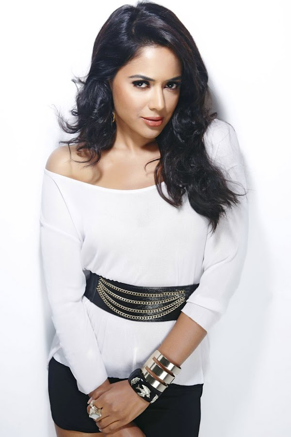 Sameera Reddy Hot 3 Gorgeous Sameera Reddy Spicy Photoshoot