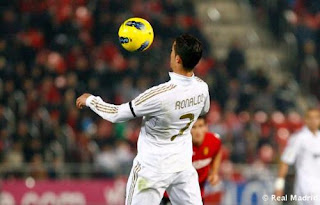 كرستيانو ضمن المرشحين لجائزة افضل لاعب   Cristiano%2Bronaldo13