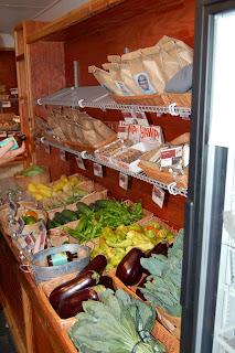 LoMo Market - Mobile Farmers Market | www.kettlercuisine.com