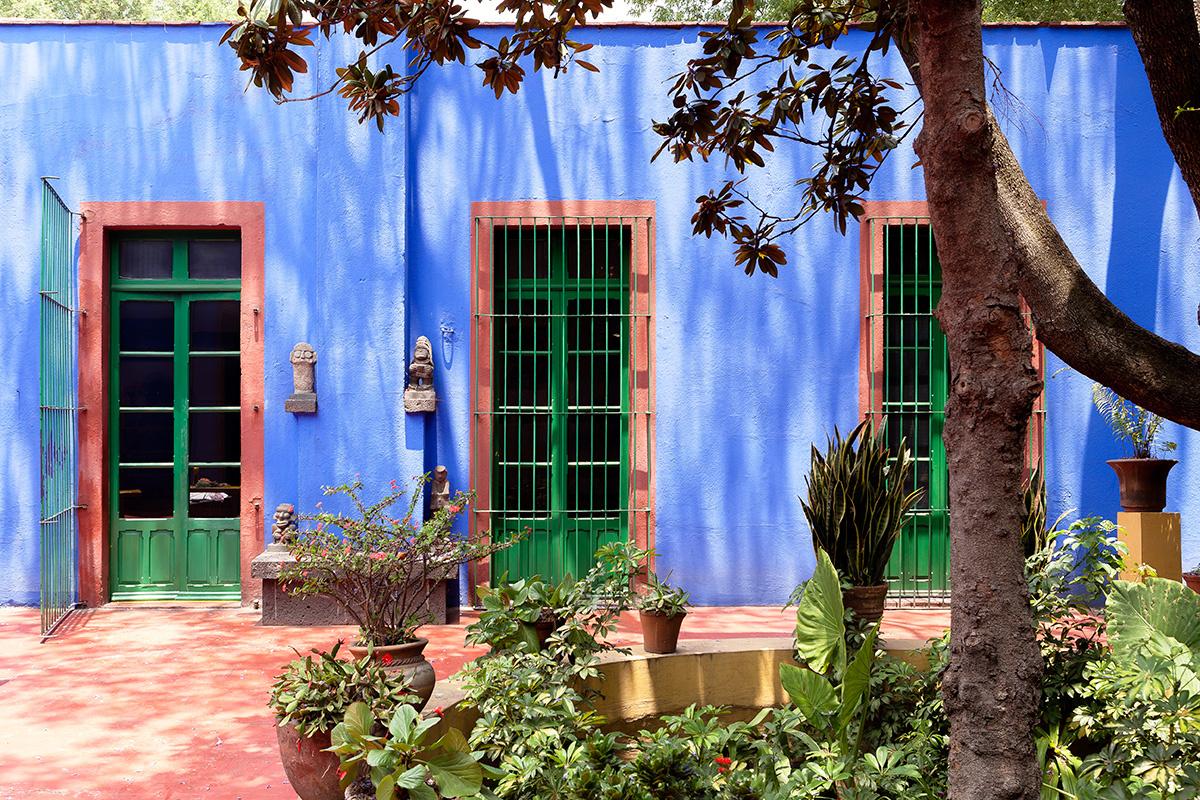 Moon to moon la casa azul the home of frida kahlo for Casa jardin