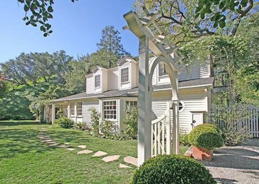 +  Mi Casa Taylor-Swift-California-Casa-001