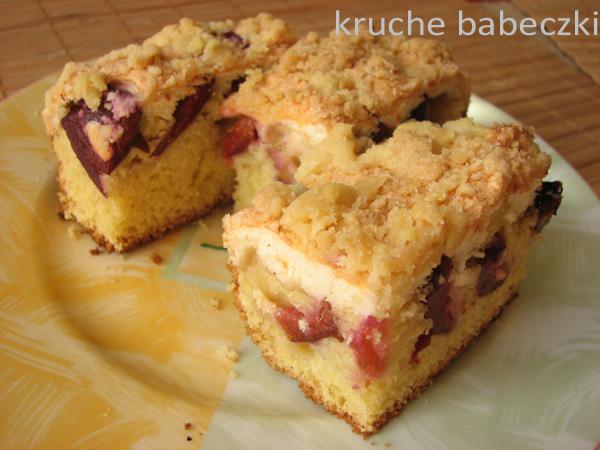 Ciasto ze śliwkami i waniliową pianką