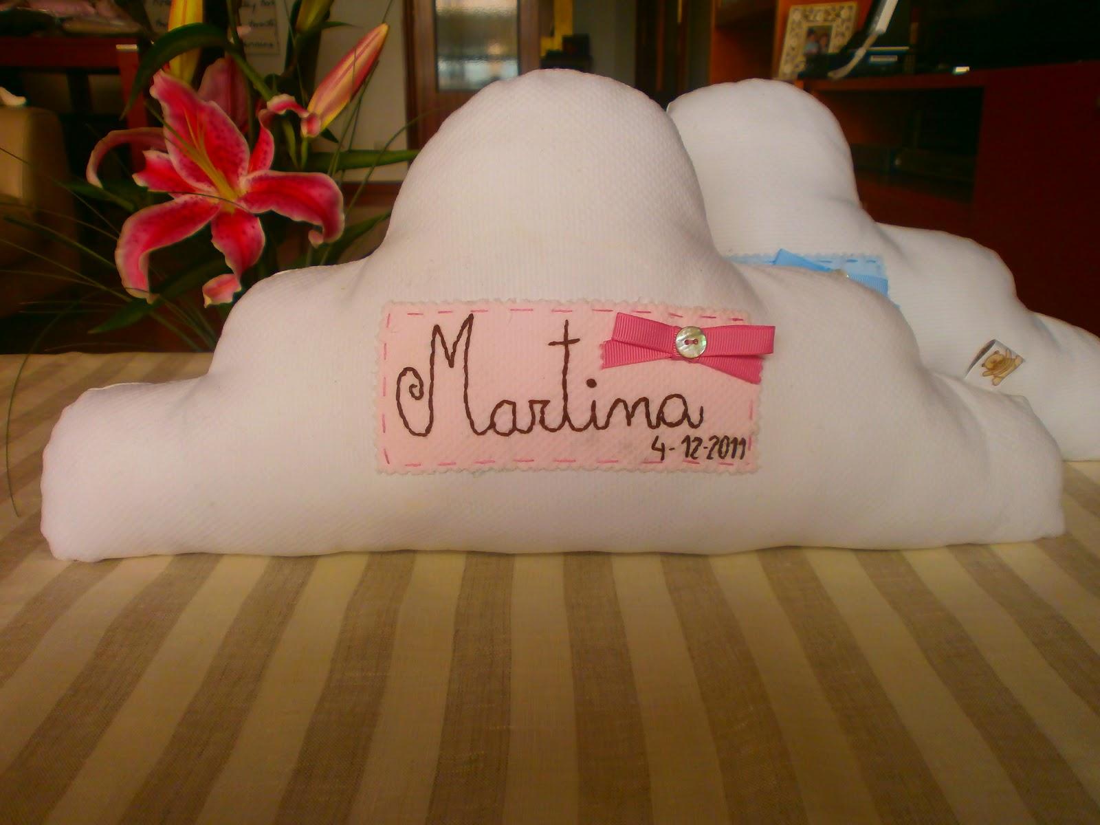 Peripepa pamplona cojines con forma de nube y perritos - Cojines de nubes ...