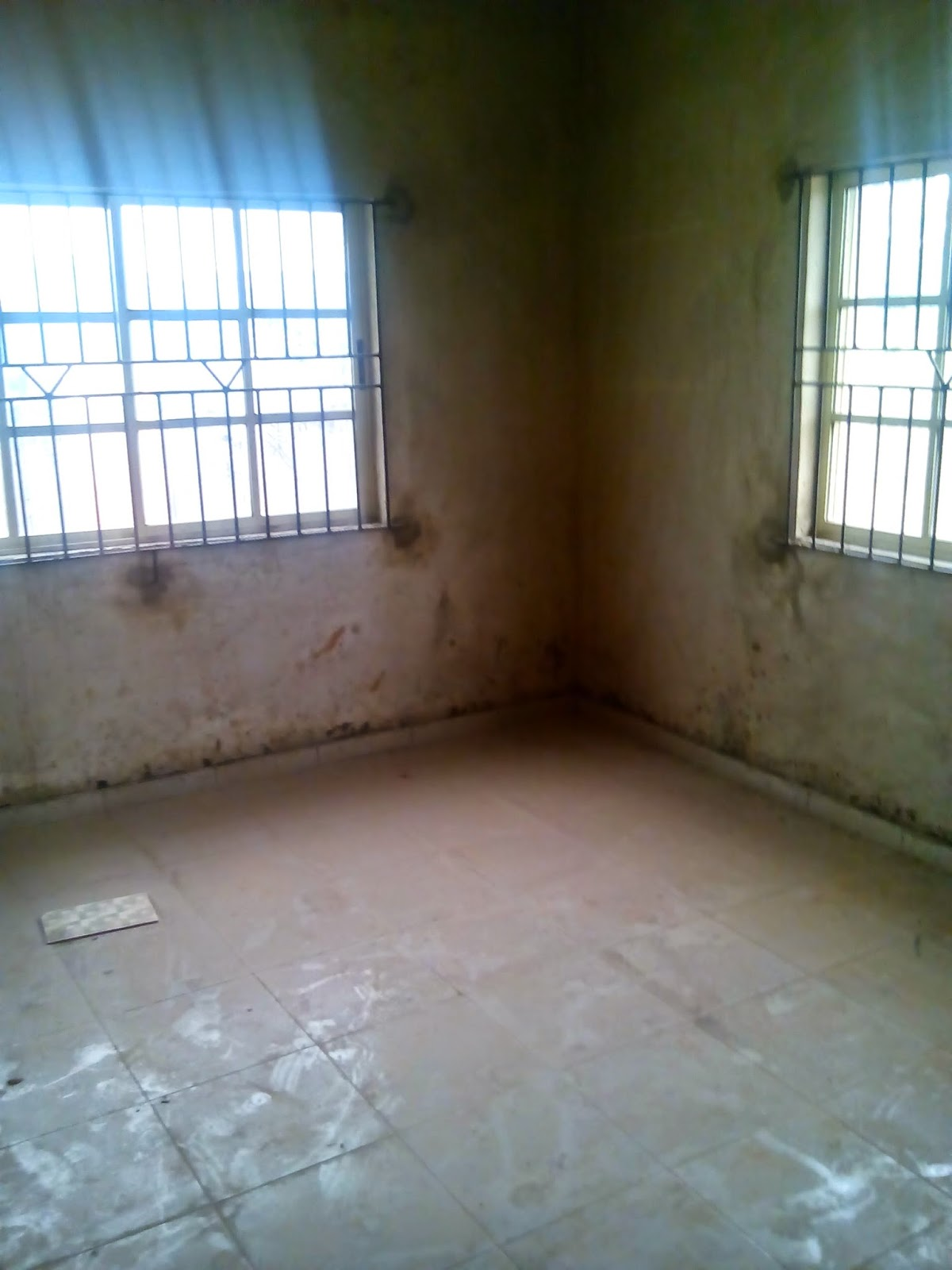 bungalow for sale at mowe for just 1 million naira