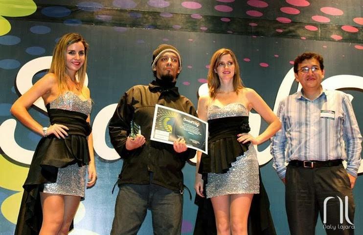 Recibiendo el Premio Social Day 2013