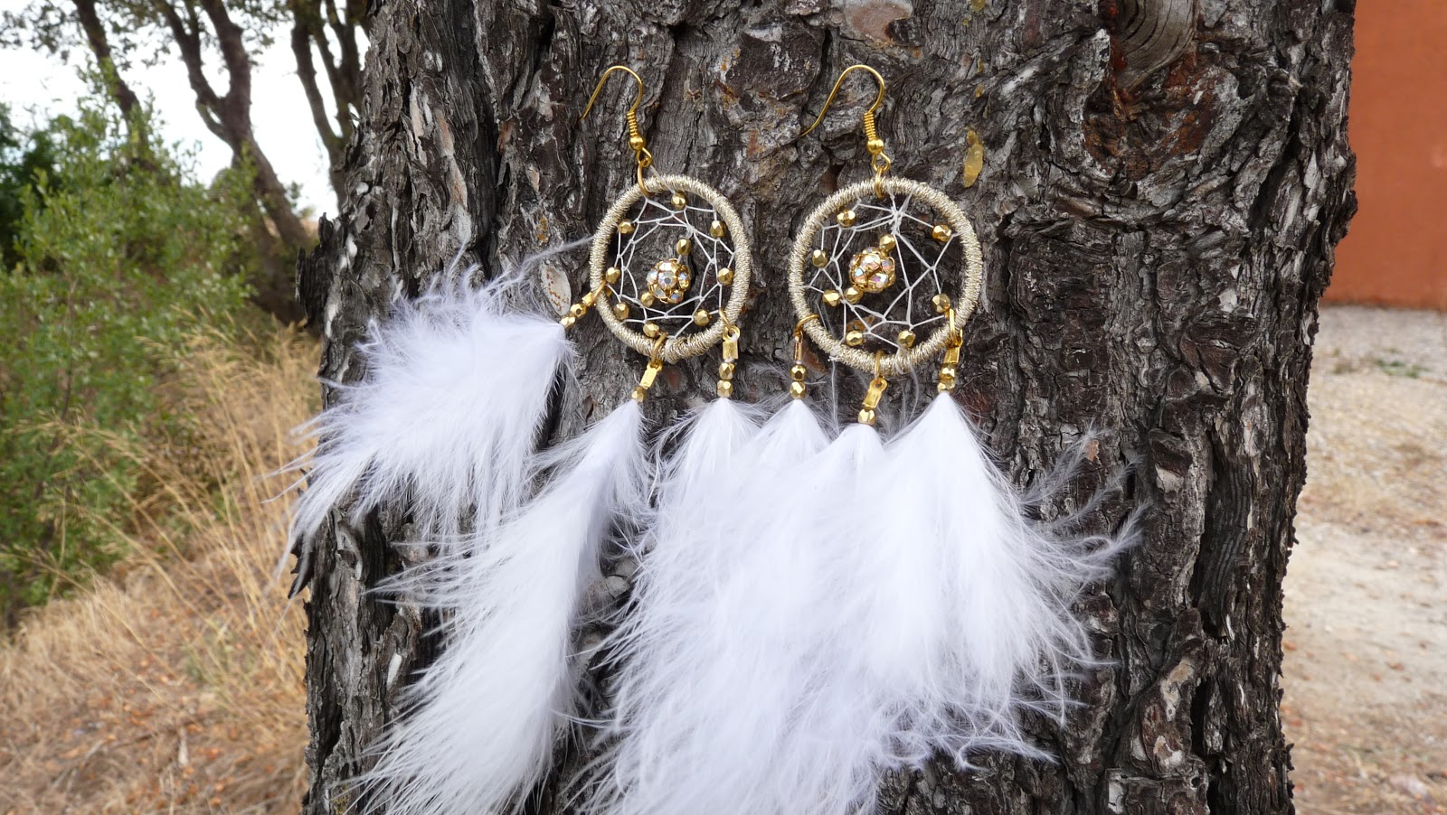 tutoriel d i y comment faire des boucles d 39 oreilles attrapes r ves dreamcatcher earrings. Black Bedroom Furniture Sets. Home Design Ideas