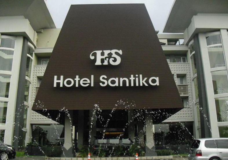 Hotel Santika TMII Beralamat Di Jl Pintu 1 Taman Mini Indonesia Indah Halim Jakarta Timur Ini Juga Dekat Dengan Lapangan