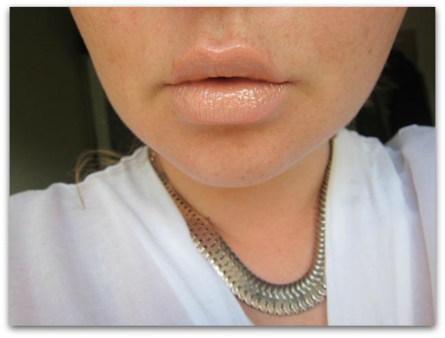 Kardashian Beauty Au Naturel Lip Set Ultra Nude Face Swatch