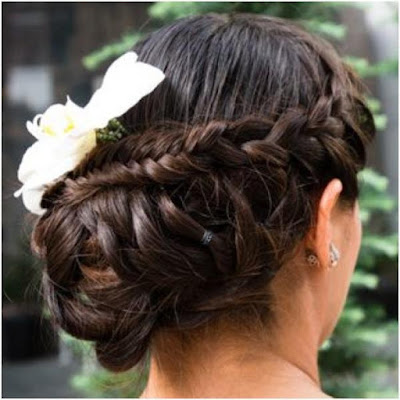The Low Bun Hairstyle for Wedding