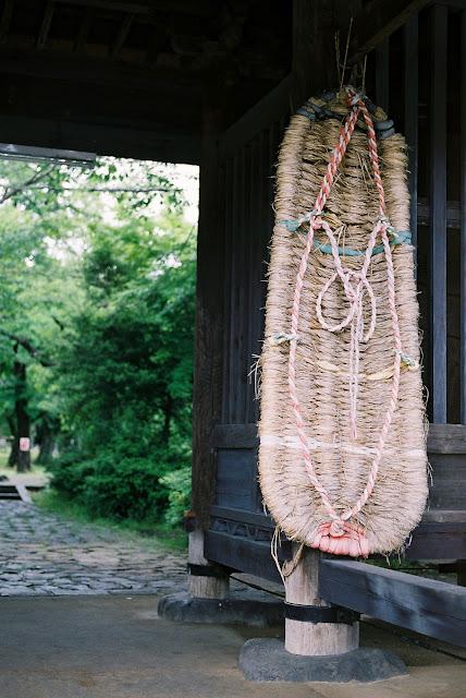 大きなわらじ huge straw sandal
