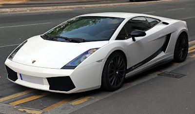 Η ιταλική αστυνομία πραγματοποίησε έρευνες στις έδρες της Lamborghini και της Volkswagen στη χώρα