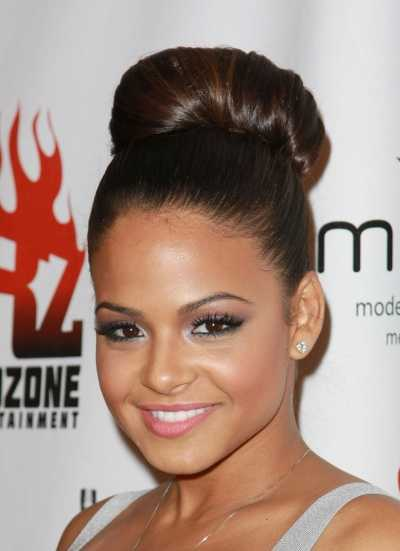 Hot Bun Hairstyles to Look and Feel Good for the Summer 1